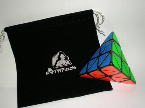 魔术金字塔-魔术方块